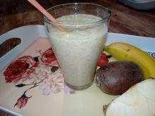 Zdrowy koktajl z kiwi
