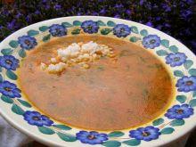 Zupa pomidorowa ze świeżych pomidorów z ryżem