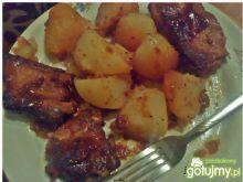 Żeberka duszone z ziemniakami