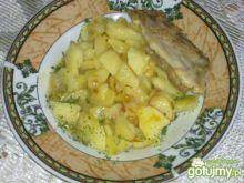 Żeberka i smażone ziemniaki