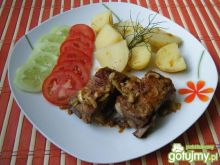 Żeberka wieprzowe duszone z cebulką