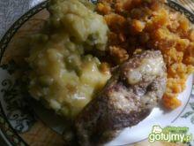 Żeberka z ziemniakami i groszkiem