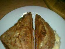 Ziarnisty tost z szynka i wędzonym serem