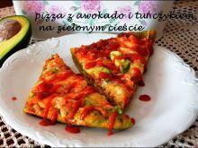 Zielona pizza z awokado