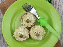 Zielona sałatka w wafelkach
