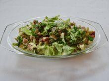 Zielona sałatka z dodatkami