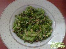 Zielona sałatka z otrębami