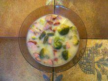 Zielona zupa z brokułów i fasolki szparagowej