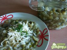 Zielona zupa z makaronem