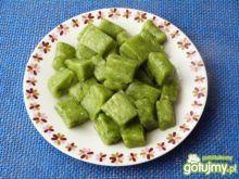 Zielone kluski z ciasta ziemniaczanego