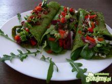 Zielone naleśniki z pomidorową salsą