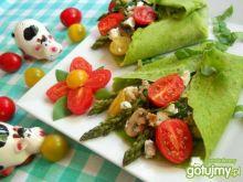 Zielone naleśniki ze szparagami i szpinakiem