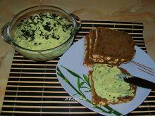 Zielony hummus z bobu