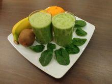 Zielony koktajl szpinakowo-owocowy