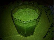 Zielony koktajl z kiwi i szpinaku