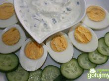 Zielony wiosenny sos do jajek
