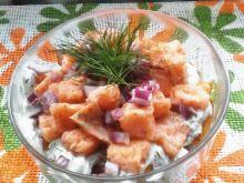 Ziemniaczana sałatka z łososiem