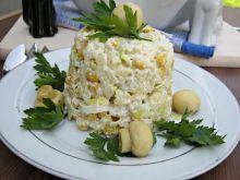 Ziemniaczana sałatka z serem i pieczarkami