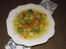 Ziemniaczana zupa z brukselką