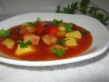 Ziemniaczana zupa z wędliną i papryką