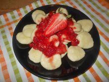 Ziemniaczane kluski z truskawkami
