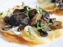 Ziemniaczane mini pizze z grzybami leśnymi