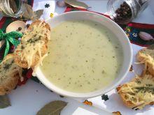 Ziemniaczano czosnkowa zupa krem z serową grzanką
