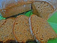 Ziemniaczany chleb z pieczoną papryką i pesto