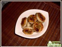 Ziemniaki i łosoś w cieście francuskim