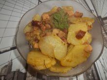 Ziemniaki smażone z cebulą i kiełbasą