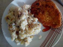 Ziemniaki smażone z cebulą i sosem sojowym