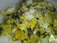 Ziemniaki smażone z pieczenią i jajkiem