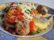 Ziemniaki z kapustą i pulpetami