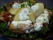 Ziemniaki z patelni z roladami z bakłaż