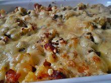 Ziemniaki zapiekane z kiełbasą i serem