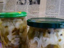 Zimowa sałatka z cukinii i papryki