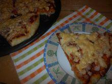Ziołowa pizza z szynką