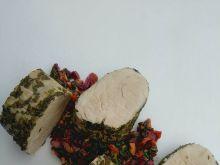 Ziołowa polędwiczka  z salsą z botwinki