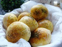 Ziołowe bułeczki z serem feta