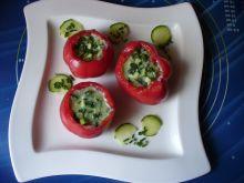 Ziołowy chłodnik w pomidorach