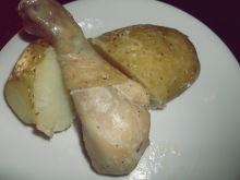Złote pałki z kurczaka z młodymi ziemniaczkami