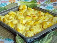 Żółty kalafior pod serowym beszamelem
