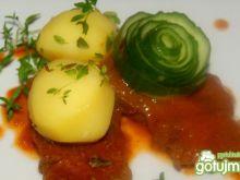 Zraziki wołowe w sosie pomidorowym