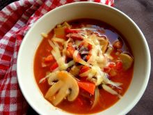 Zupa ala'mexicana  z kiełbasą i pieczarkami