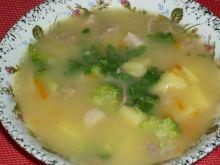 Zupa brokułowa na wieprzowinie