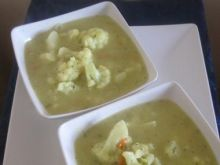 Zupa brokułowa z różyczkami kalafiora
