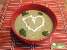 Zupa brokułowa z serkiem topionym.