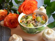 Zupa brukselkowo-pieczarkowa