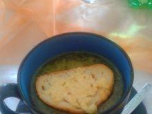 Zupa cebulowa z grzanką serową
