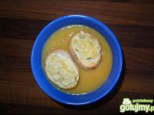 Zupa cebulowa z grzankami 3